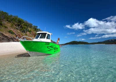 Centre_Cab_Airlie_Boat_Hire_Girl